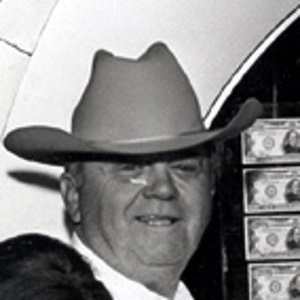 Benny Binion in front of his famous $1 million display