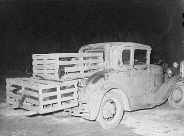 Car converted to truck to carry turkeys 1939