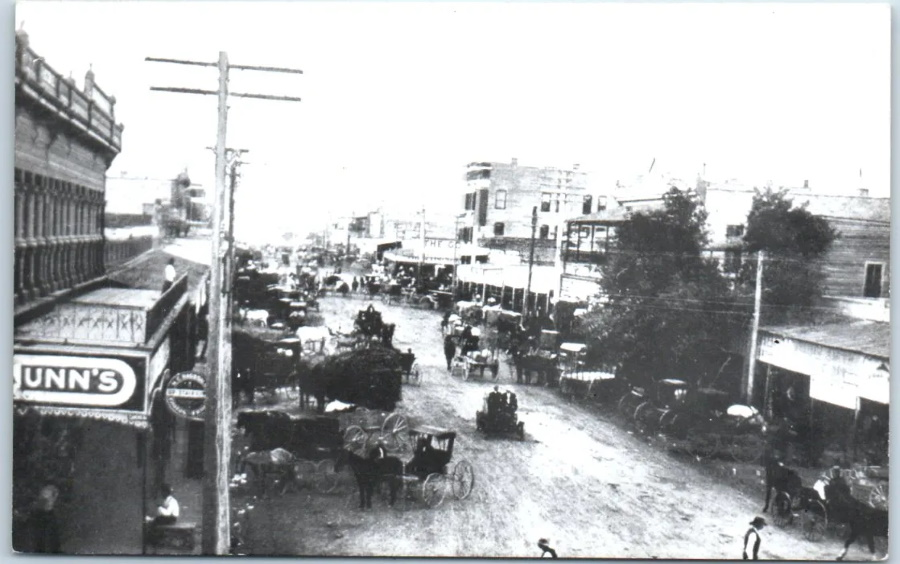 Chadbourne Street in San Angelo in 1900