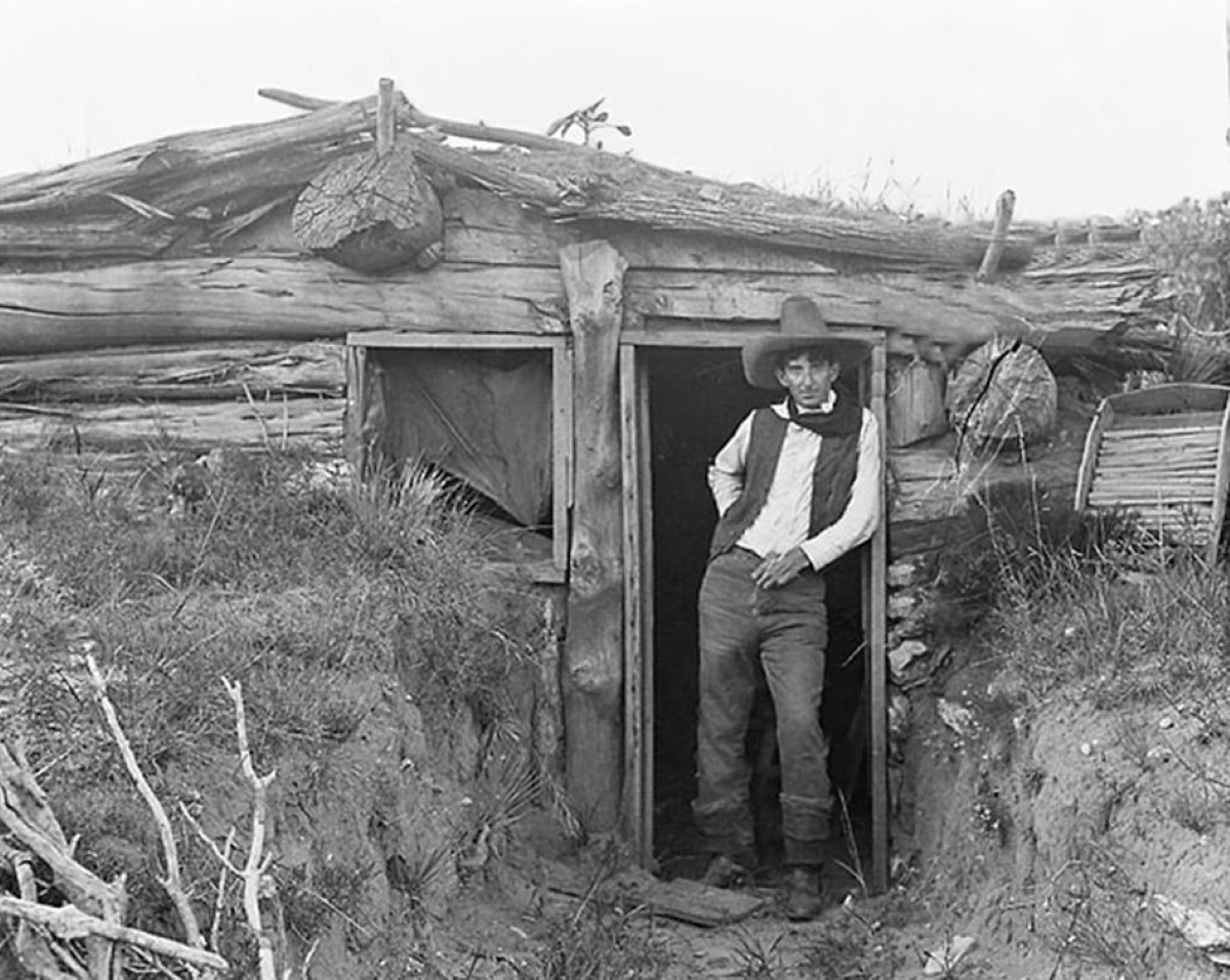 Dugout House on LS Ranch in 1907