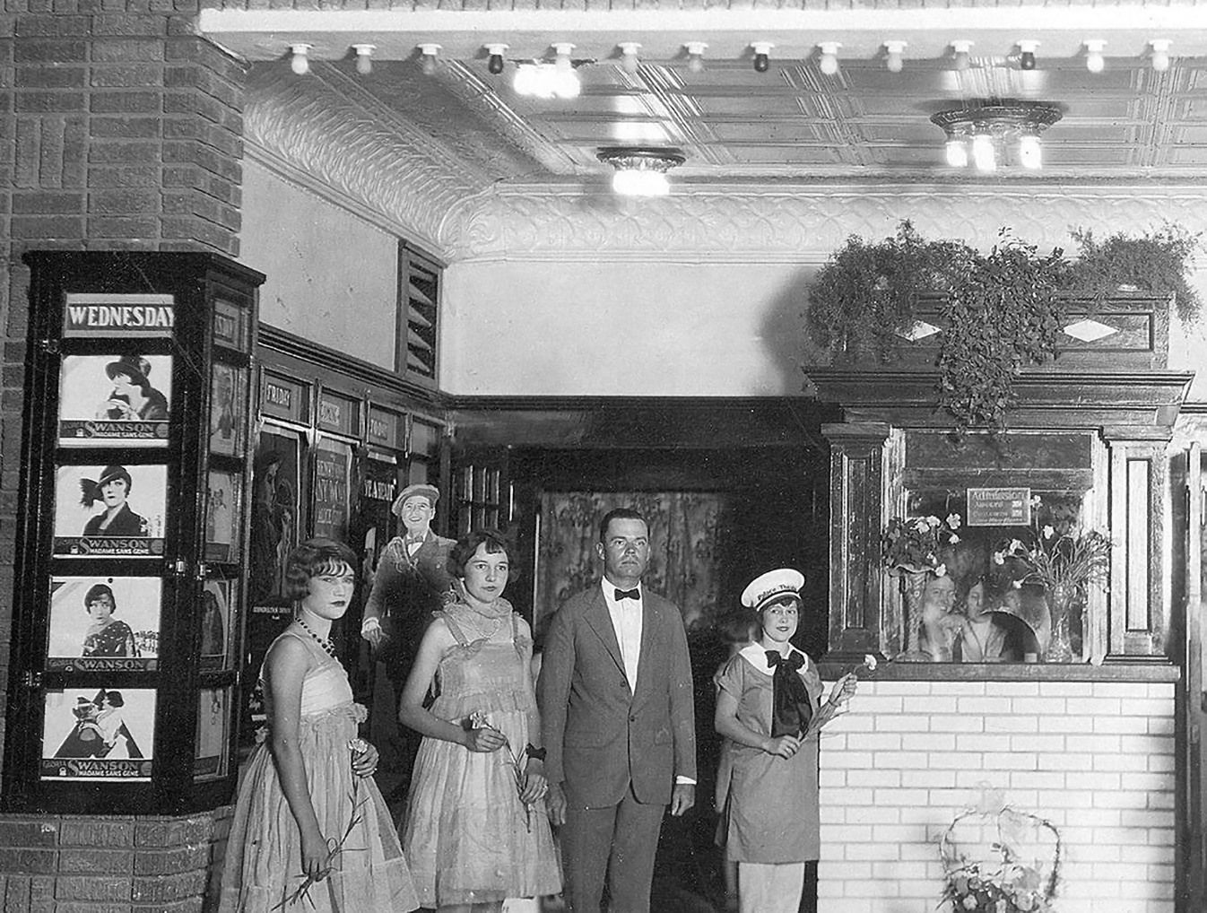 Entrance to Palace Theatre in Snyder Texas in 1930