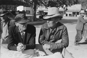 Farmers talking Downtown Glen Rose,Tx in 1939