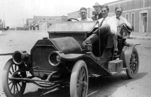 Men in automobile 1910 El Paso Texas