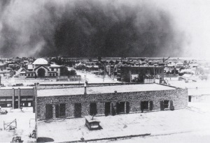 Huge Sandstorm Approaching Midland Texas in 1918