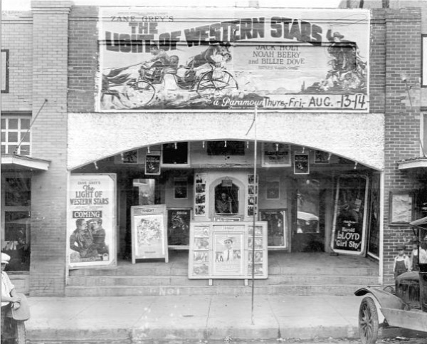 Palace Theatre in Snyder Texas in 1925